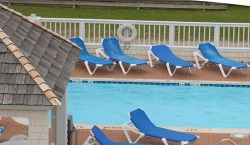 Hatteras island inn in buxton nc outdoor pool non - Hotels in buxton with swimming pool ...