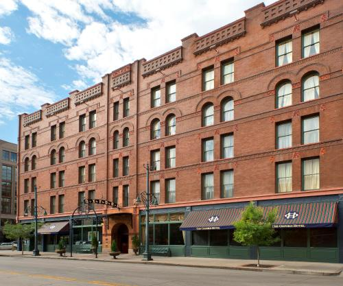 Cherry Creek Club Apartments: The Oxford Hotel Review, Denver, USA