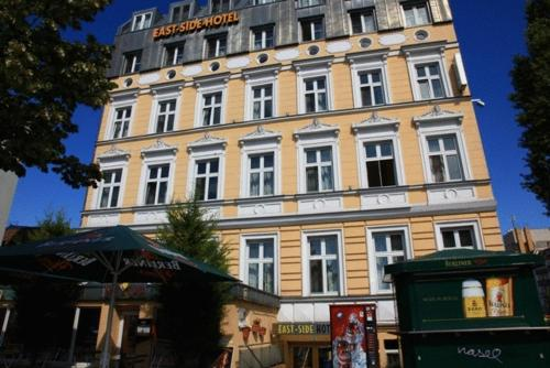 east side hotel berlin cheap flexible rates and reviews. Black Bedroom Furniture Sets. Home Design Ideas