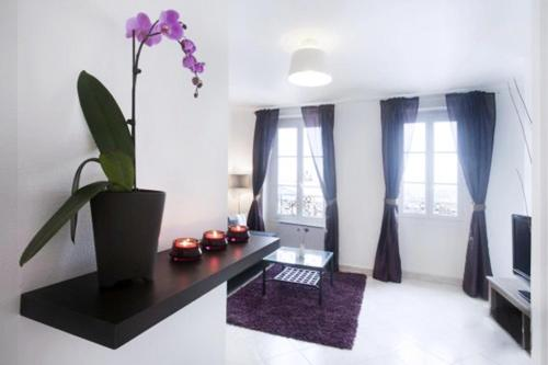 Montmartre Panoramic Apartment only 50m from the S