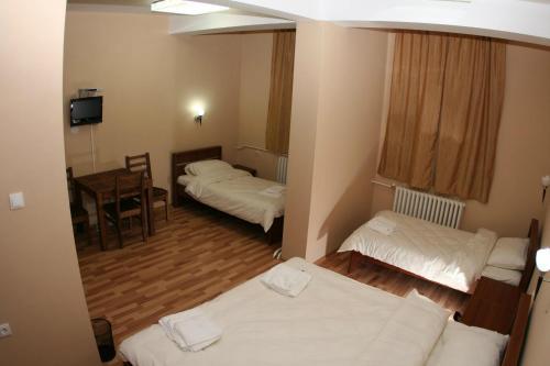 https://aff.bstatic.com/images/hotel/max500/209/20964626.jpg