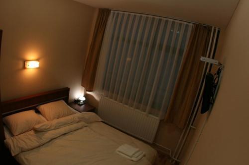 https://aff.bstatic.com/images/hotel/max500/209/20964629.jpg