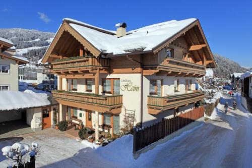Landhaus Heim - Apartment mit Blick auf die Berge