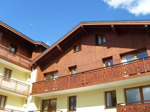 Five-Bedroom Apartment (12 Adults) - Les Chalets d'Arrondaz