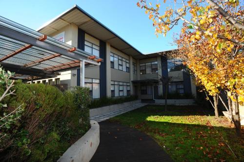 Glenelg Holiday Apartments-Ellis