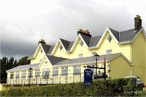 Photo of Bella Vista Self Catering Apartments Hotel Bed and Breakfast Accommodation in Cobh Cork