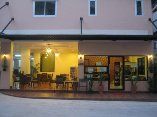 Отель Chitra Suite 2 звезды Таиланд