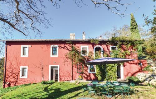 Six-Bedroom Holiday Home in Settefrati (FR)