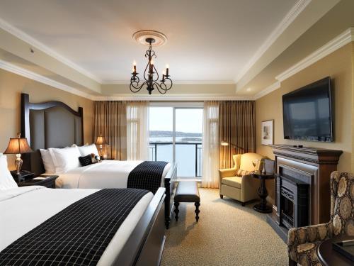 Oak Bay Beach Hotel - 3 of 41