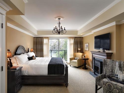 Oak Bay Beach Hotel - 16 of 41