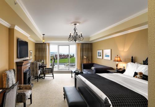 Oak Bay Beach Hotel - 27 of 41