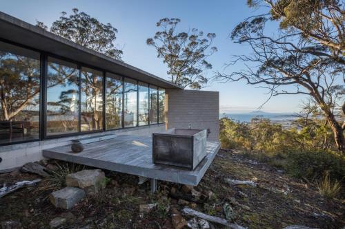 Rocky Hills Retreat