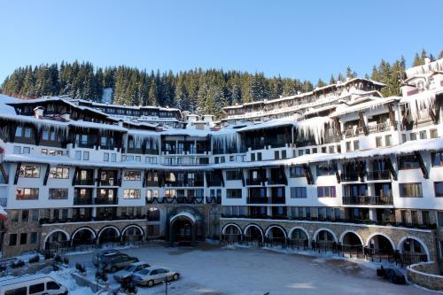Grand Monastery Apartments
