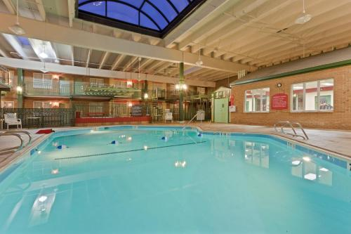 Clarion inn at the frederick event center frederick md - Public swimming pools frederick md ...