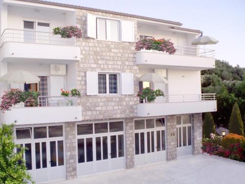 Apartments Tila