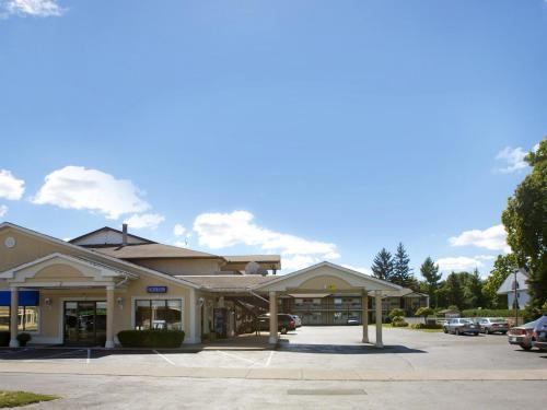 Picture of Howard Johnson Express Inn