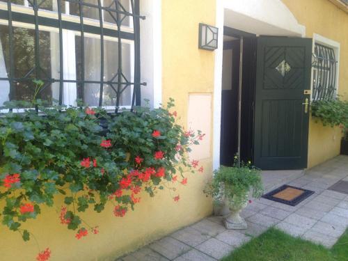 Exquisites Gartenapartment in eleganter Jugendstilvilla