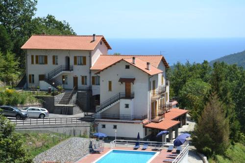 foto Belbea Tourist Resort ** (Castelvecchio di Rocca Barbena)