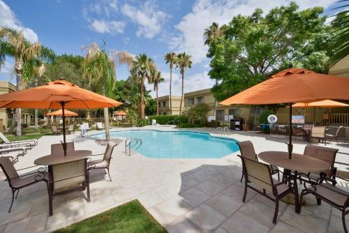 Best Western PLUS Tucson International Airport Hotel & Suites