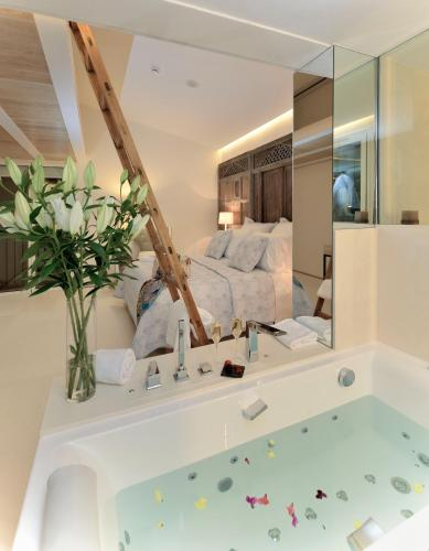 Suite Junior con vistas Boutique Hotel Spa Calma Blanca 10