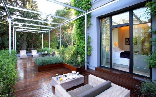 Standard Room with terrace ABaC Restaurant Hotel Barcelona GL Monumento 1