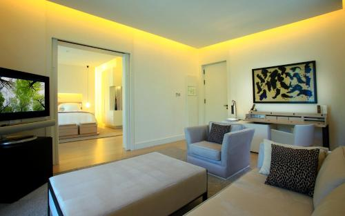 Suite Room (1 or 2 people) ABaC Restaurant Hotel Barcelona GL Monumento 3