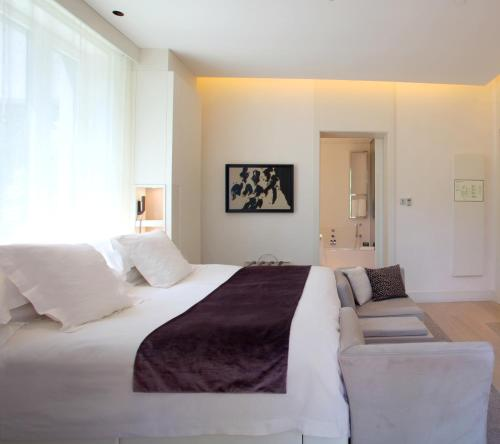 Double room (1 or 2 people) ABaC Restaurant Hotel Barcelona GL Monumento 5