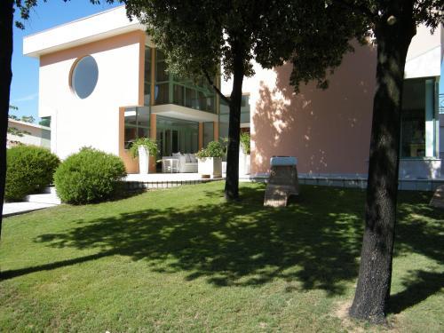 Villa Ferrara (Bed and Breakfast)