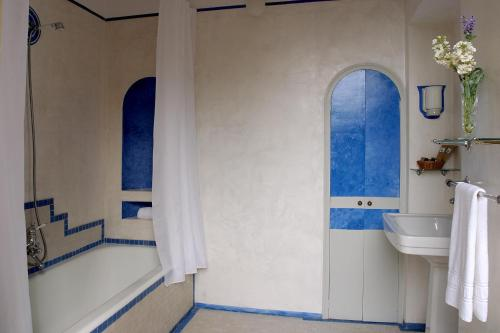 Superior Double Room - single occupancy Hotel Torre Marti 2