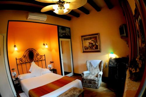 Superior Double Room - single occupancy Hotel Torre Marti 5