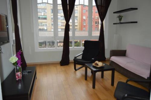 Cozy Apartment Near Sagrada Familia 21B