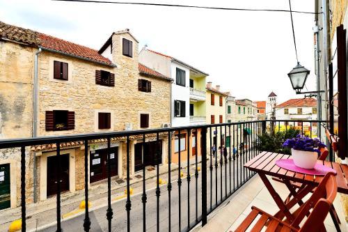 Sunny Bobica Apartments