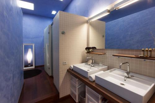 Two-Bedroom Suite with Balcony Ca La Maria Boutique B&B 8