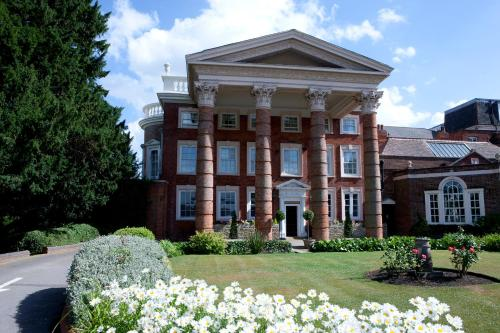 Stay at Hendon Hall