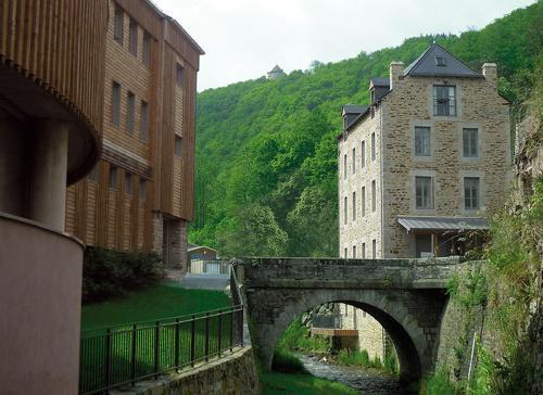 Appart' Hôtel Loustal : Résidence Antoine Bros et Le Castel (B&B)