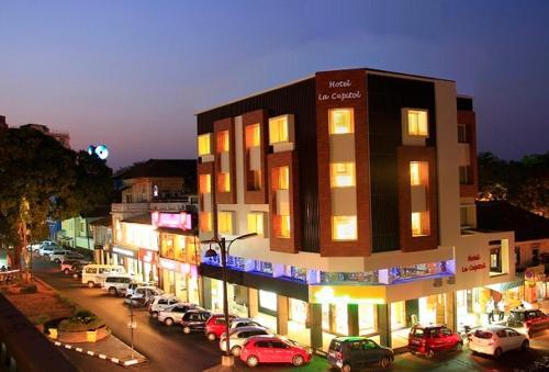 Отель Hotel La Capitol 2 звезды Индия