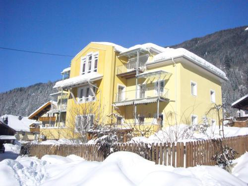 Appartementhaus Anita - Großes Apartment mit 2 Schlafzimmern und einem Balkon