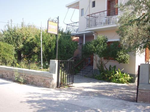 Picture of Eleni Studios & Apartments