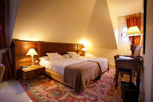 Suite Junior - 1 o 2 camas  Hotel Hacienda Montenmedio 1