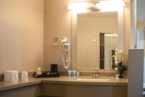 Bathroom Lighting Gold Coast gold coast hotel and casino, las vegas, nv, united states overview