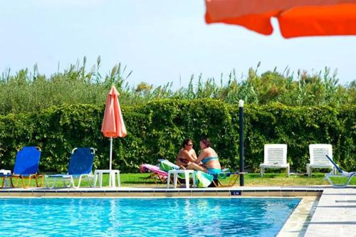 Swimming pool Alfa Hotel Apartments