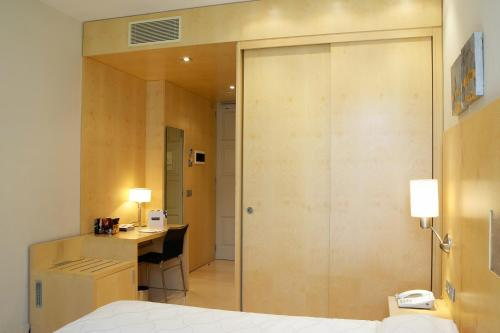 Double Room Hotel Sant Roc 11
