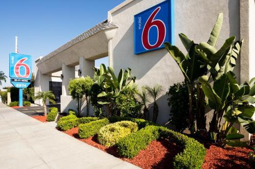 Motel 6 Newport Beach CA, 92627