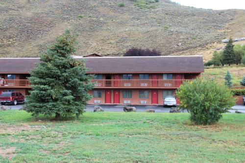 Picture of Flat Creek Inn