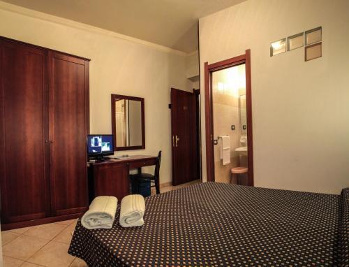 Hotel La Terrazza, Cagliari, Italy Overview   priceline.com