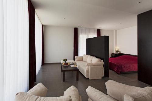 Romantique Dojran Hotel