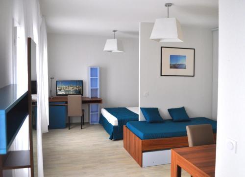 Odalys appart hotel canebiere h tel 9 rue s nac de meilhan 13001 marseille adresse horaire - Appart hotel marseille vieux port ...