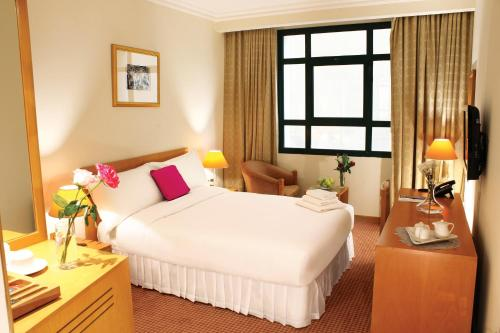 Stay at Swiss-Belinn Doha