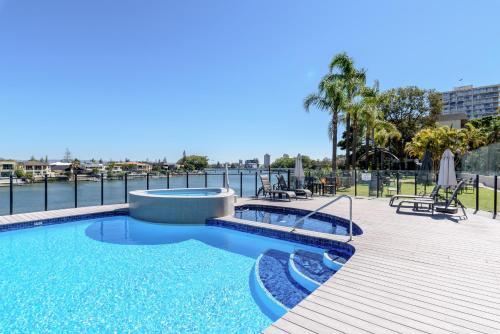 Silverton Holiday Apartments Gold Coast
