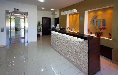 Vila 4m - Boarding House and Apartments